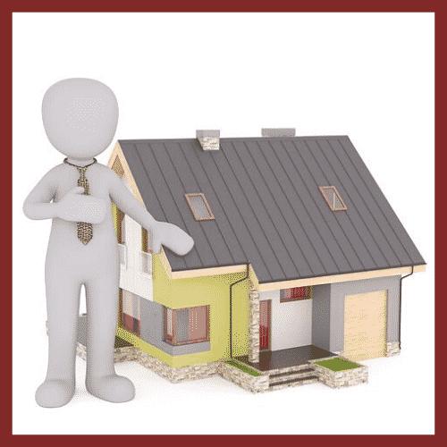 Expert bâtiment, expert immobilier, devant maison